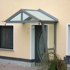 Kleines Vordach aus Aluminium