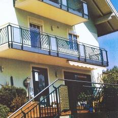 Geländer an Treppe und Balkon